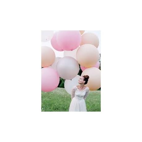 Balon gigant z helem, kolory